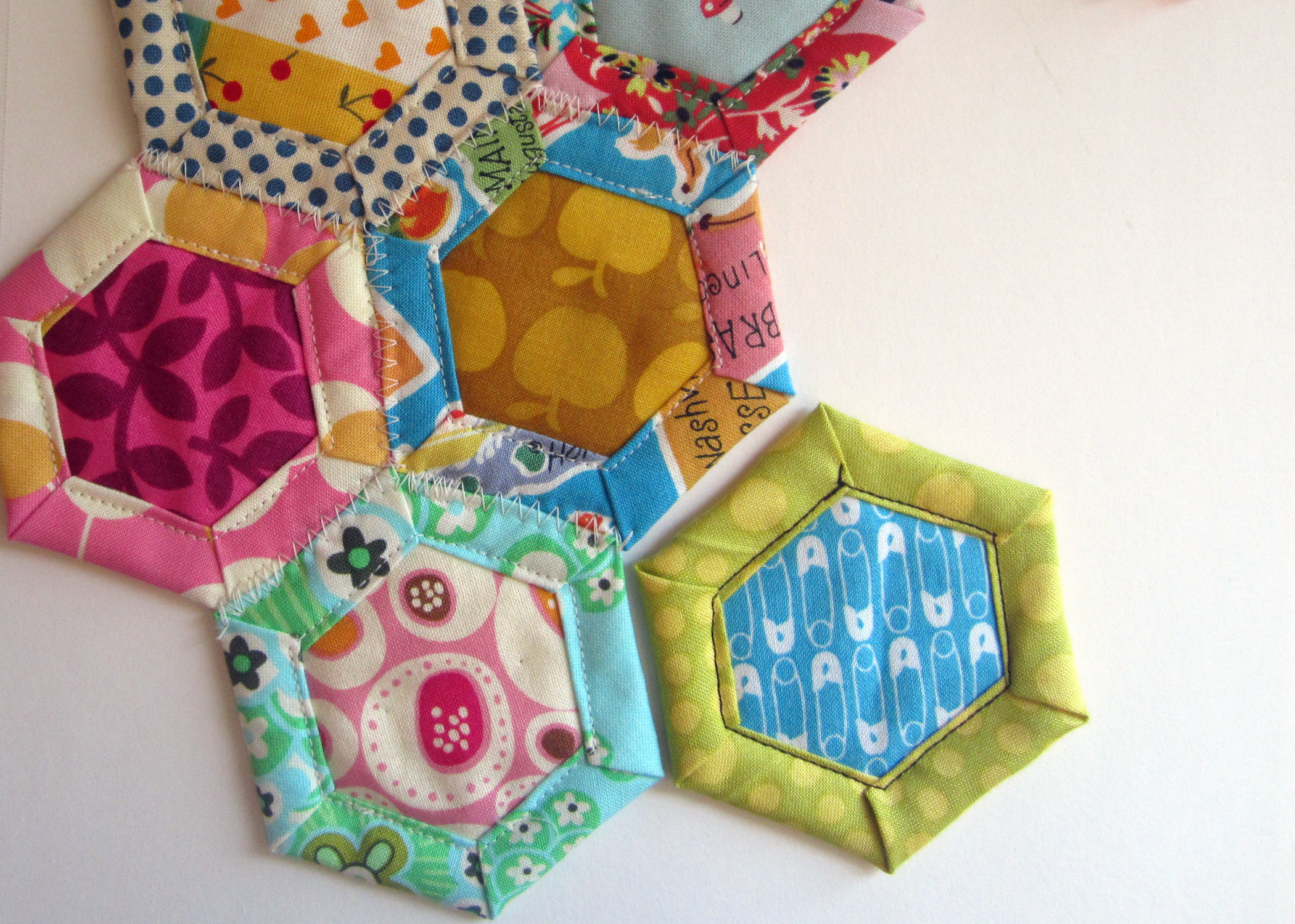 Tutoriales de patchwork hex gonos acolchados - Acolchados en patchwork ...